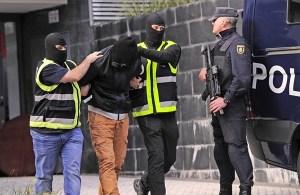 متورط في استقطاب أعضاء جدد.. اسبانيا تعتقل داعشيا مغربيا!!