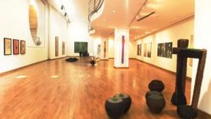 60 لوحة من المطبوعات المعدنية والمنحوتات بمعرض لمؤسسة التجاري وفابنك