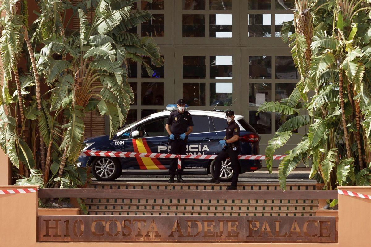 احتجاز ألف سائح داخل فندق بجزيرة 'تنيريفي' الإسبانية بسبب فيروس كورونا