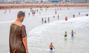 تقرير رسمي يحذر المغاربة من السباحة في 29 شاطئا بسبب المياه العادمة