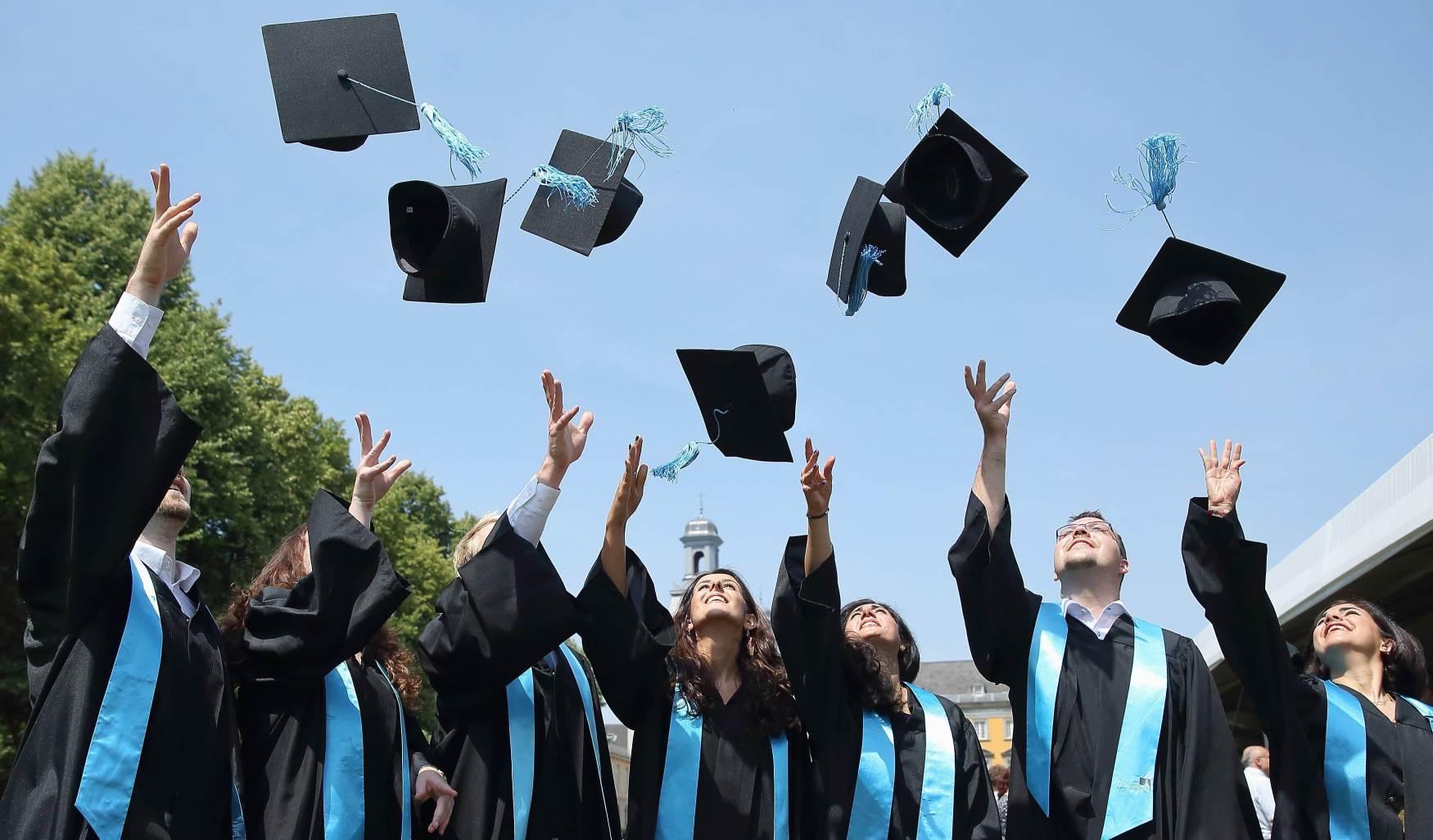 حفل عن بعد احتفاءً بـ52 طالب يمني حصلوا على شهادة الدكتوراه من الجامعات المغربية