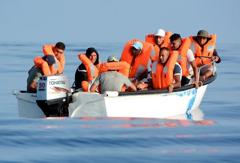الهجرة السرية.. اعتقال جزائريين اثنين من مهربي البشر نحو السواحل الإسبانية