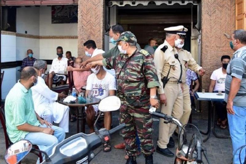 السلطات تشدد المراقبة على مقاهي الدار البيضاء قبل انطلاق 'ديربي' الوداد والرجاء