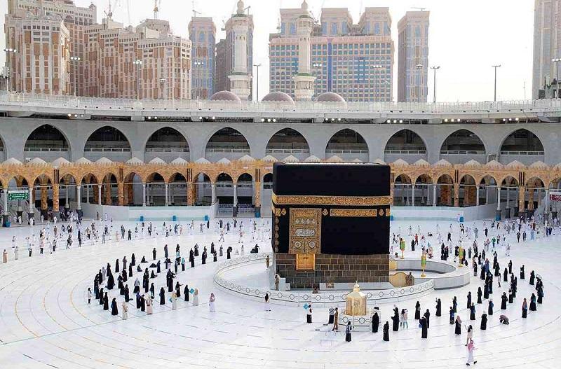 رمضان.. السعودية تحسم عودة المصلين للمسجد النبوي لأداء صلاة التراويح