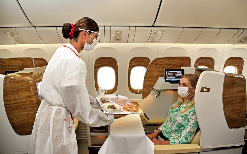 سكاي واردز طيران الإمارات يحتفل بـ 20 عاماً و27 مليون عضو
