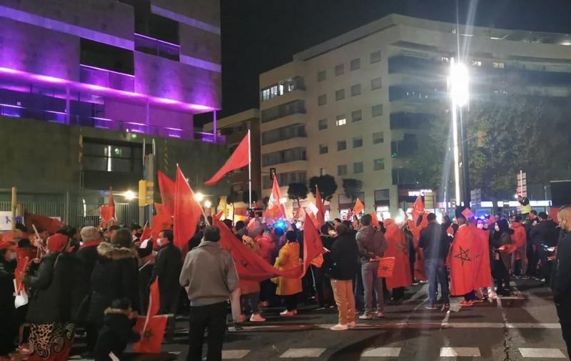 (فيديو) الأعلام الوطنية ترفرف في تاراغونا الإسبانية رداً على استفزازات الانفصاليين