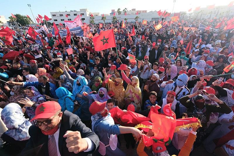"""بالصور. """"الأحرار"""" يدعم الإعتراف الأمريكي بمغربية الصحراء بتجمع خطابي حاشد بالداخلة"""
