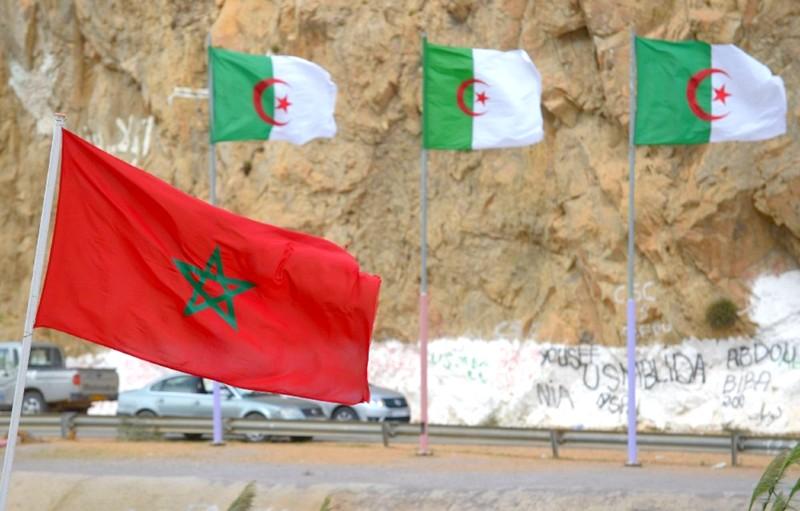بعد قرارات تبون.. عشرات المهاجرين المغاربة يفرون من الجزائر عبر الحدود البرية