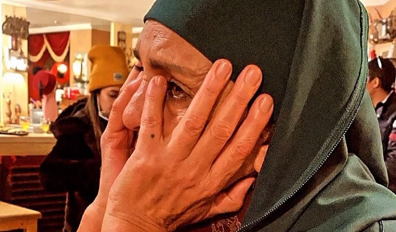 """بعد غياب.. الممثلة راوية تظهر بالنقاب المغربي وتقتحم """"أسرار البيوت"""""""