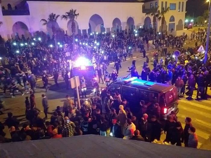 احتجاجات الفنيدق.. إصابة 16 شخصاً والسلطات تتهم المحتجين بخرق الطوارئ الصحية