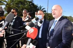 """لقجع و بوريطة يستقبلان رئيس """"الفيفا"""" بالرباط"""