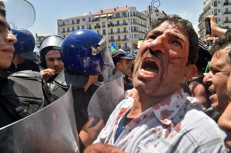 """الجزائر. """"أمنيستي"""" تدين استهداف عسكر """"تبون"""" لنشطاء الحراك بأساليب قمعية"""