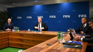 """مجلس """"IFAB"""" يقرر تغيير قانون لمسة اليد في كرة القدم"""