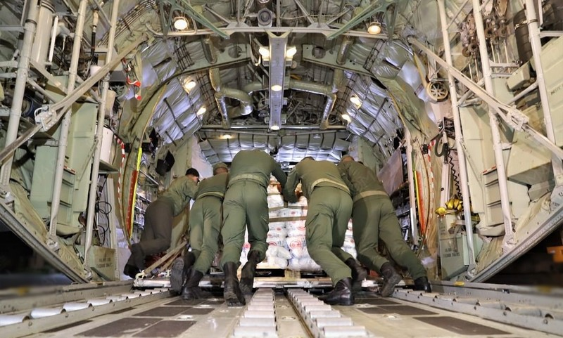 تعليمات ملكية تحرك 8 طائرات عسكرية صوب لبنان استجابة لطلب مساعدات غذائية