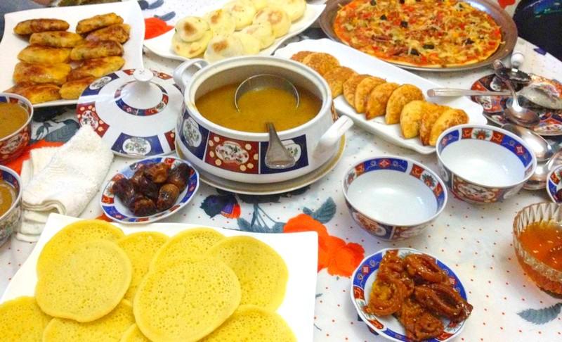 شيخ مغربي: الإسراف في الأكل حرام في رمضان، والصدقات مطلوبة وقت الجائحة