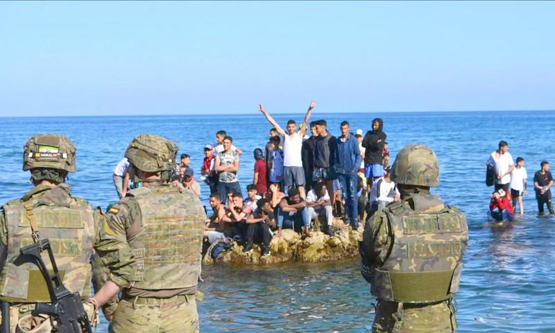 """أزمة المغرب/إسبانيا. حين يخرج الاتحاد الأوروبي 'المتهالك' للدفاع عن """"أوروبية"""" سبتة ومليلية المغربيتين"""