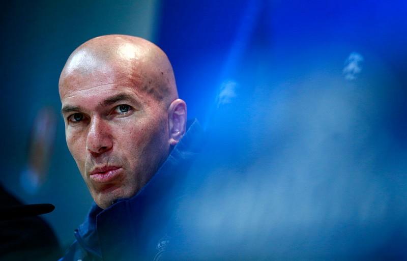 نهاية القصة.. زيدان يتخذ قراره النهائي ويعلن الرحيل عن ريال مدريد