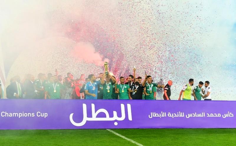 بينهم الوداد.. الرجاء يتجاوز 11 فريقا عربيًا بعد التتويج بكأس 'محمد السادس'