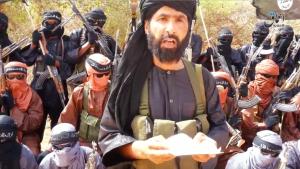الرئيس الفرنسي يعلن مقتل زعيم 'داعش' بالصحراء الكبرى والعضو السابق بـ'البوليساريو'