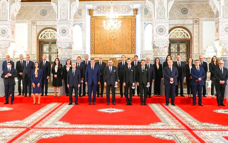 الملك يعين أعضاء حكومة أخنوش الجديدة.. هذه اللائحة الكاملة لـ24 وزيراً