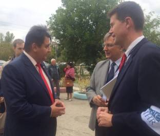 Alabama Secretary of State John Merrill, right, on duty as an observer of the recent Russian parliamentary elections. (John Merrill)