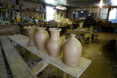 Steve Miller is creating pottery like five generations of his family before him. (Mark Sandlin / Alabama NewsCenter)
