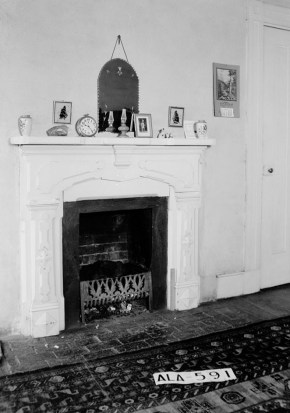 Interior view of the Hart-Milton House taken during the 1935 Historic American Buildings Survey. (Photograph by W.N. Manning, Library of Congress Prints and Photographs Division)
