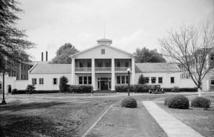 Mount Vernon Arsenal, Administration Building, 1935. (Photograph by E.W. Russell, HABS, Library of Congress Prints and Photographs Division)