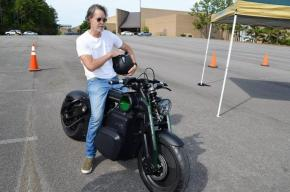Matt Chambers on Zeus, the first electric motorcycle offering from Curtiss Motorcycles. (Michael Tomberlin / Alabama NewsCenter)