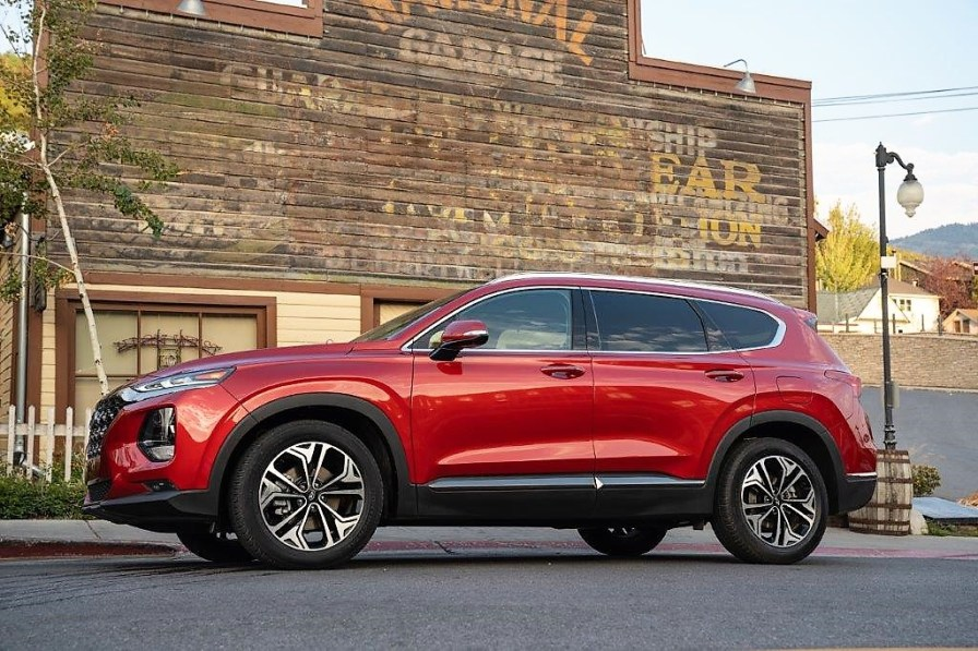 The new Alabama-built Santa Fe is expected to boost Hyundai's sales in the U.S. (Hyundai)