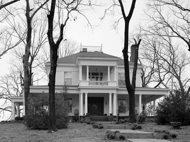 """""""Sunset,"""" John H. Bankhead's home in Jasper, Walker County, which he had built around 1910 while serving in the U.S. Congress. (From Encyclopedia of Alabama, courtesy of Library of Congress)"""
