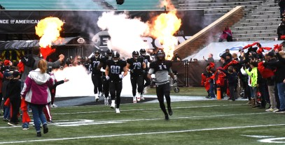 The Birmingham Iron makes a dramatic entrance for its first-ever game. (Solomon Crenshaw Jr./Alabama NewsCenter)
