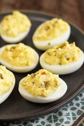"A dash of pepper ""fances up' these eggs and enlivens flavor. (Stacey Little)"