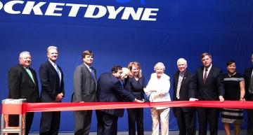 Aerojet Rocketdyne CEO Eileen Drake and Alabama Gov. Kay Ivey cut the ribbon on the company's advanced manufacturing facility in Huntsville. (Aerojet Rocketdyne)