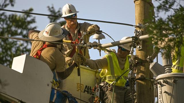 Alabama Power crews assist Texas with storm restoration
