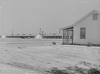 Army quarters at Craig Field, Southeastern Air Training Center, Selma, 1941. (Library of Congress, Prints and Photographs Division)