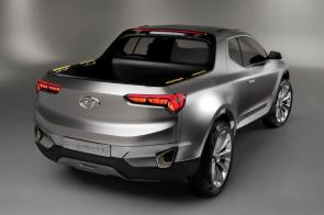 The new Hyundai Santa Cruz pickup could share features and carry a design similar to the Santa Cruz concept the automaker unveiled in 2015. (Hyundai)