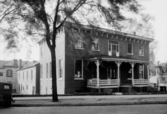 Figh-Pickett House, Montgomery, April 19, 1934. (W.N. Manning, Library of Congress, Prints and Photographs Division)