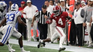 Wide receiver Jerry Jeudy races down the sideline during the Crimson Tide's 42-3 victory against Duke. (Kent Gidley/University of Alabama Athletics)