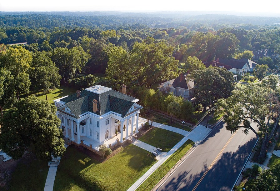 Holman House in Ozark is one of Alabama's most impressive historic homes. (Jay Parker/Powergrams)
