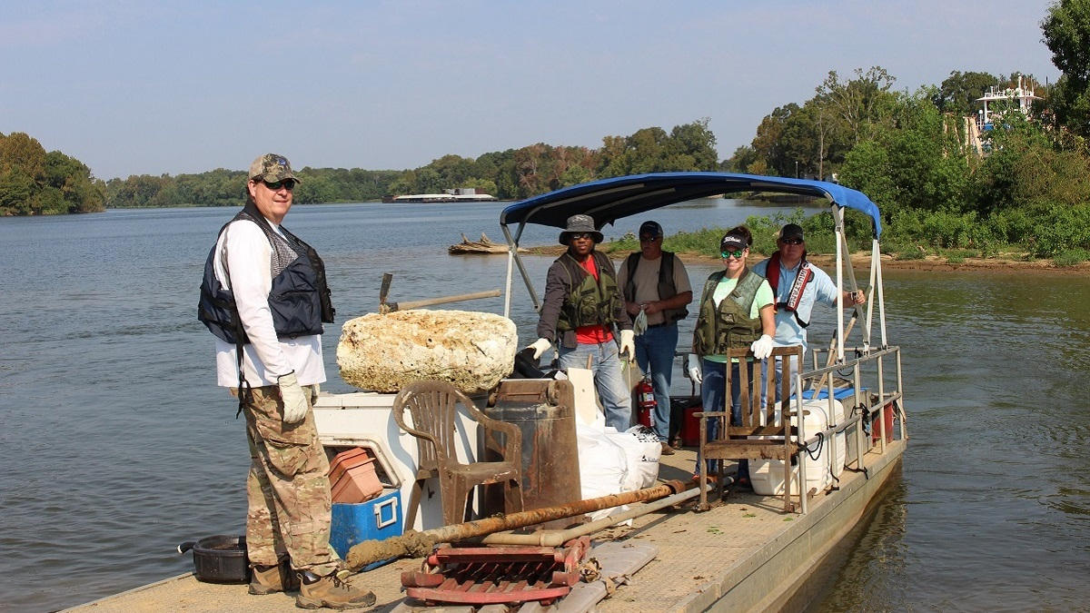 Renew Our Rivers removes 316,000 pounds of trash from Alabama lakes and rivers in program's 20th year