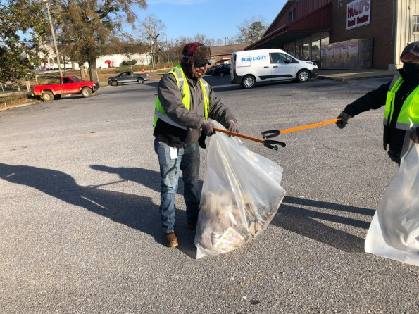 The Gaston Chapter of APSO celebrated King's life and legacy by cleaning the town of Wilsonville. (Jack Bonnikson / Alabama NewsCenter)