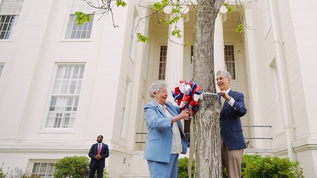Alabama Gov. Kay Ivey announces Ribbons of Hope campaign for COVID-19 pandemic