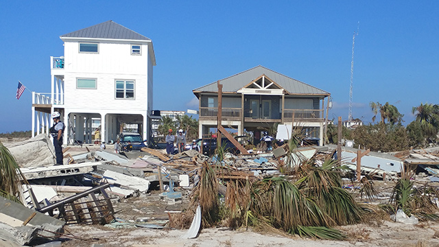 How to evacuate safely when a hurricane is threatening