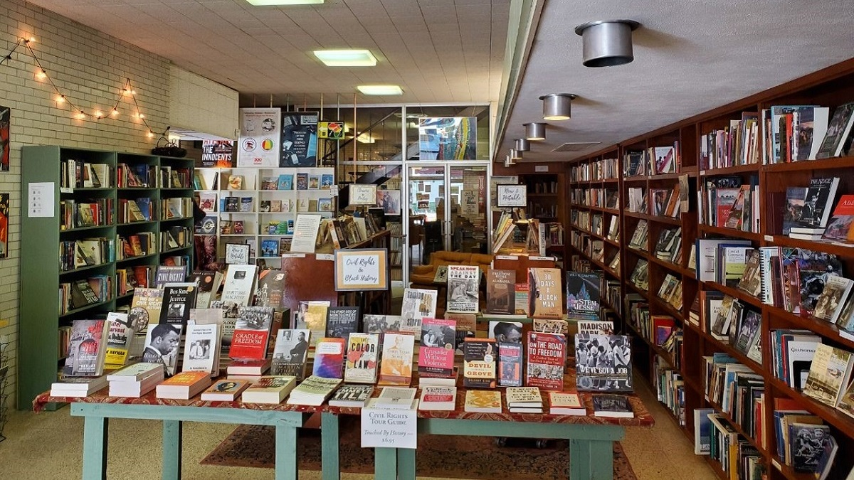 Alabama's old bookstores holding on with new strategies, online events