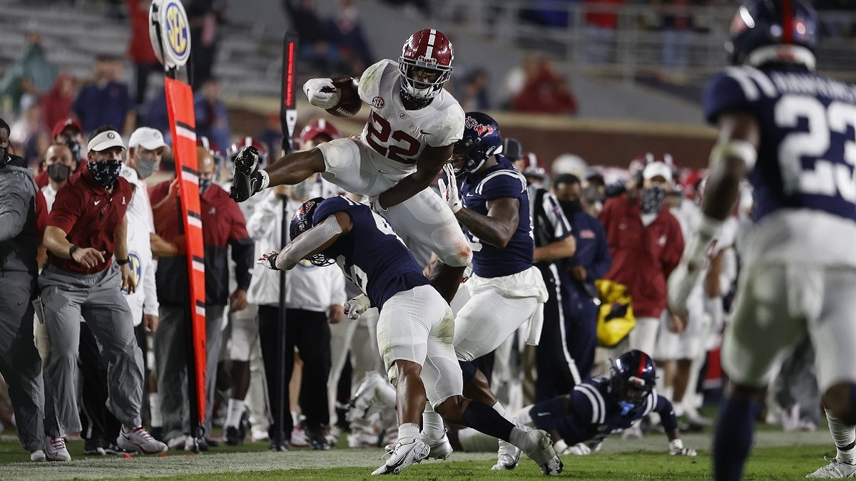 Football preview: Alabama welcomes Georgia in high-stakes showdown; Auburn visits South Carolina; UAB takes on Hilltoppers