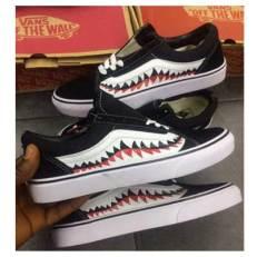 Vans Classic Skate Shoe