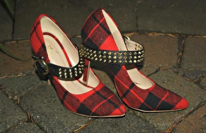 shoe dazzle plaid pumps