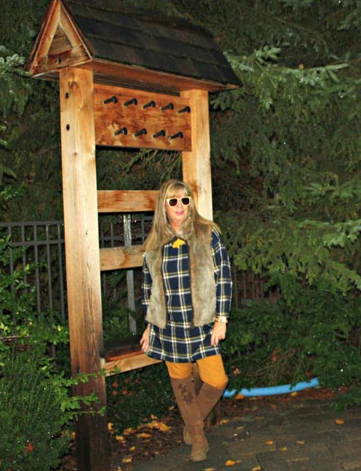 Old navy plaid tunic and pixie pants with a fur vest at Blue Mountain resort