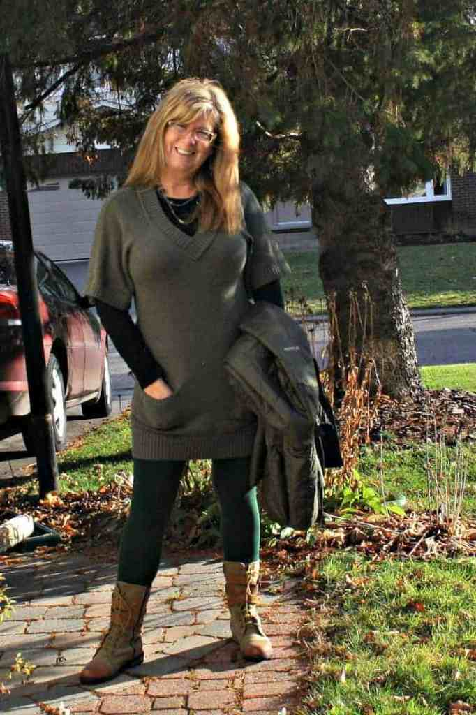 Banana Republic tunic and LNBF Leggings with Giant Tiger Boots